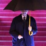 Obama mit Regenschirm
